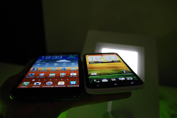 Note OneX 3 [Video] Samsung Galaxy Note vs. HTC One X Vergleich