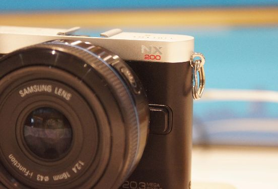 DSC09254 Samsung NX200 RS: Hands On mit der Retro NX200 (Video)