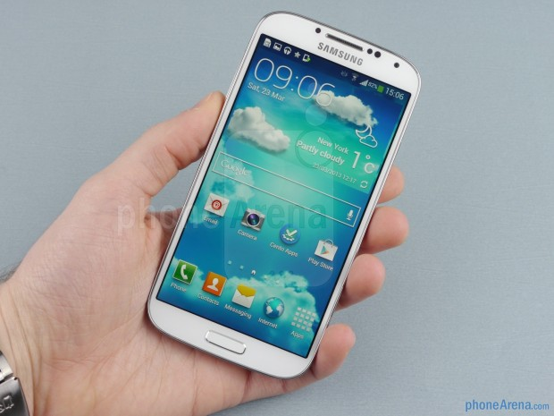 Samsung-Galaxy-S4-Review-01