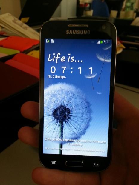 Samsung_Galaxy_S4_mini-3