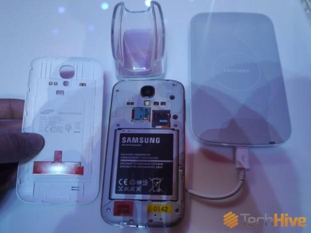 samsung_qi_wireless_charging-sgs4-techhive