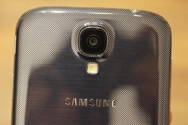 Samsung Galaxy S4 - fast schwarzes Silber