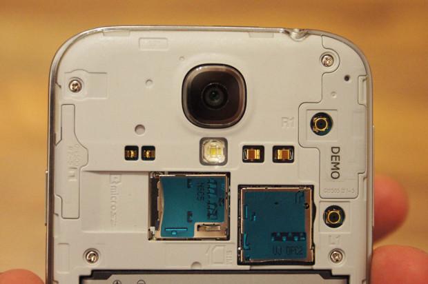 MicroSD und MicroSIM beim Galaxy S4