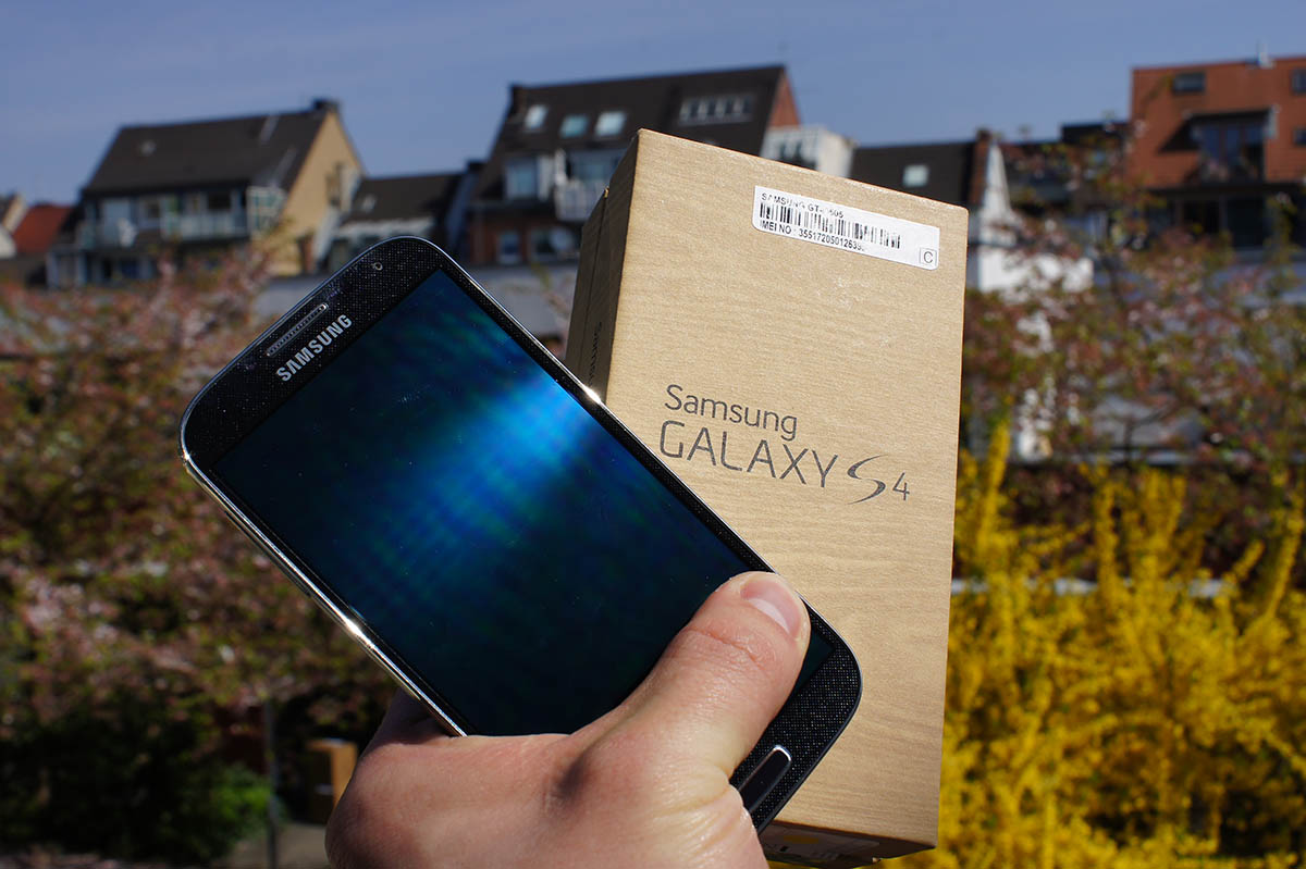 samsung galaxy s4 unboxing auf deutsch video all about. Black Bedroom Furniture Sets. Home Design Ideas