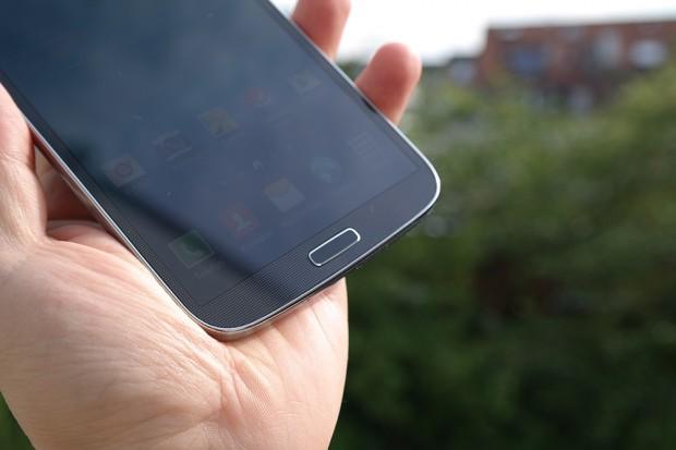 Samsung-galaxy-mega-unboxing-2