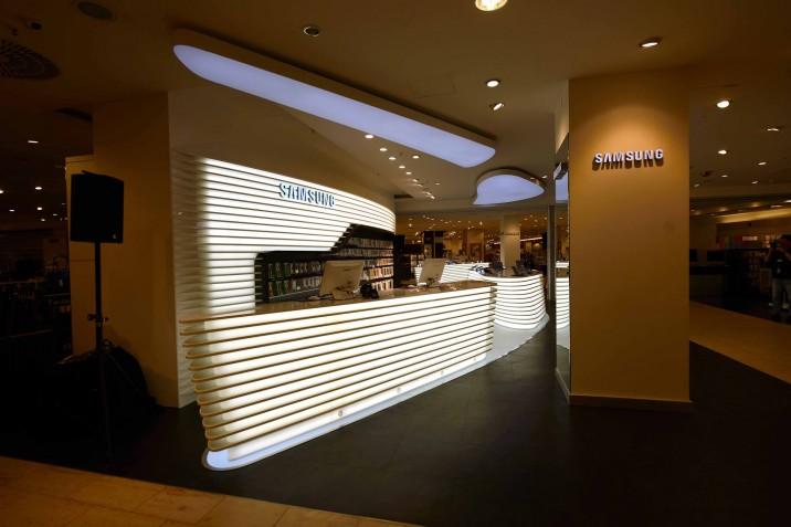 Samsung_Mobile_Store_KaDeWe (10)