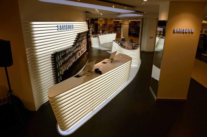Samsung_Mobile_Store_KaDeWe (17)