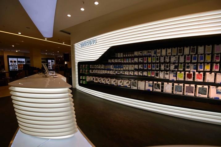 Samsung_Mobile_Store_KaDeWe (6)