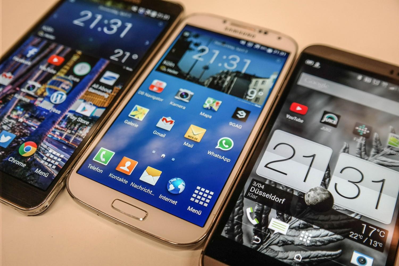 HTC-One_M8-Galaxy_s4_3