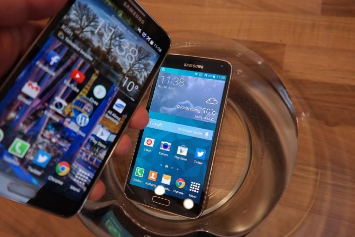 Samsung_Galaxy_S5-vs-Galaxy_Note3-4