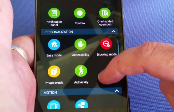 S5 active leak video2 3 716x463 Neue Videos vom Galaxy S5 Active: OIS und Active Key