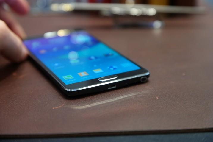 Samsung_Galaxy_Note4_1