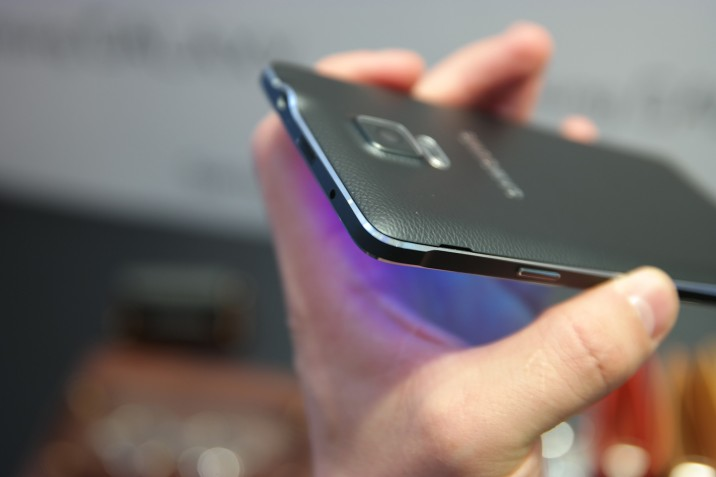 Samsung_Galaxy_Note4_10