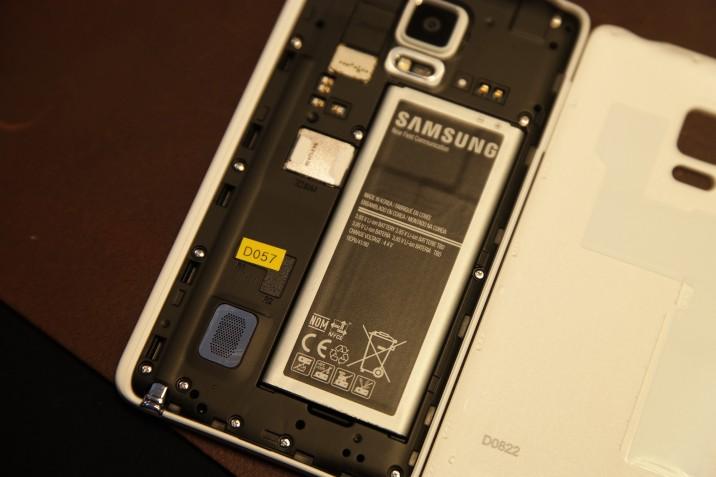 Samsung_Galaxy_Note_Edge-13