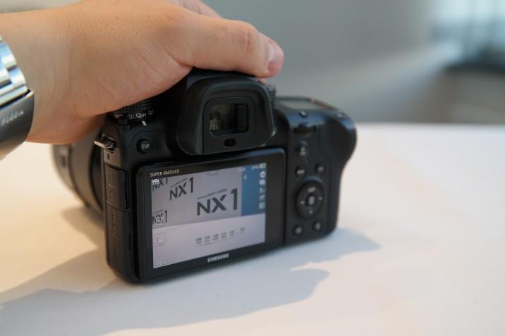 Samsung_NX1_hands_on_1
