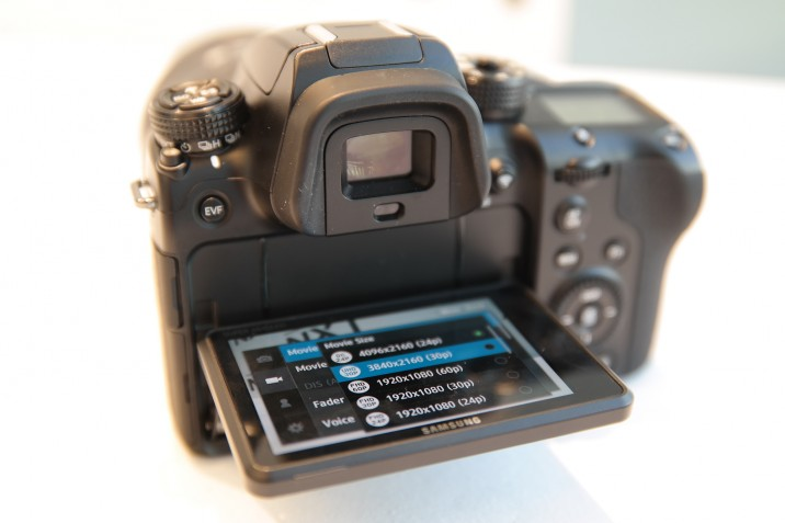 Samsung_NX1_hands_on_12
