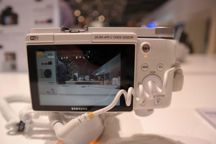 Samsung_NX3300_8