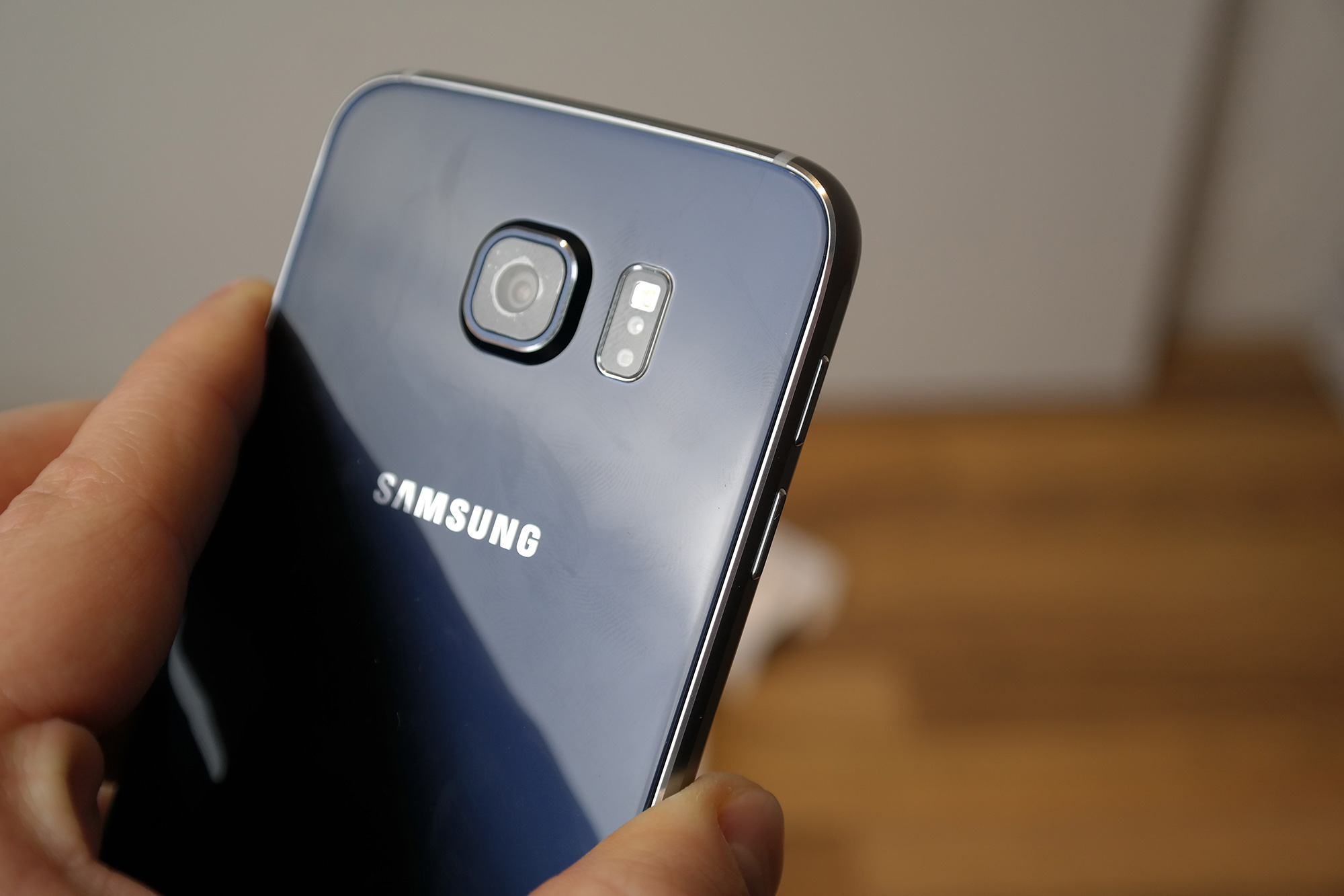 Samsung_Galaxy_S6_Unboxing_4