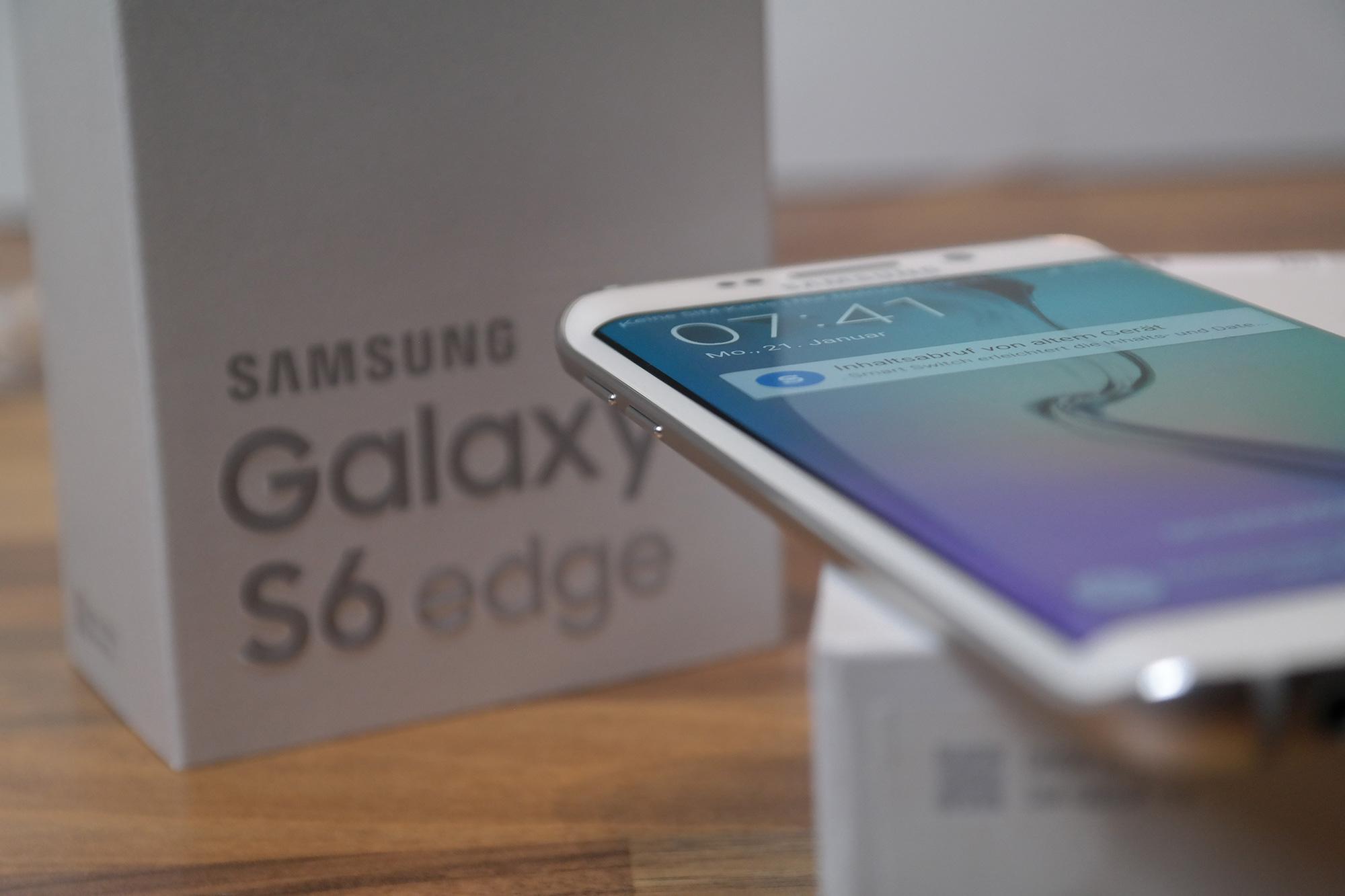 Samsung_Galaxy_S6edge_Unboxing_1