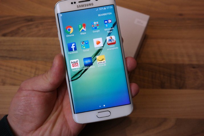 Samsung_Galaxy_S6edge_Unboxing_13
