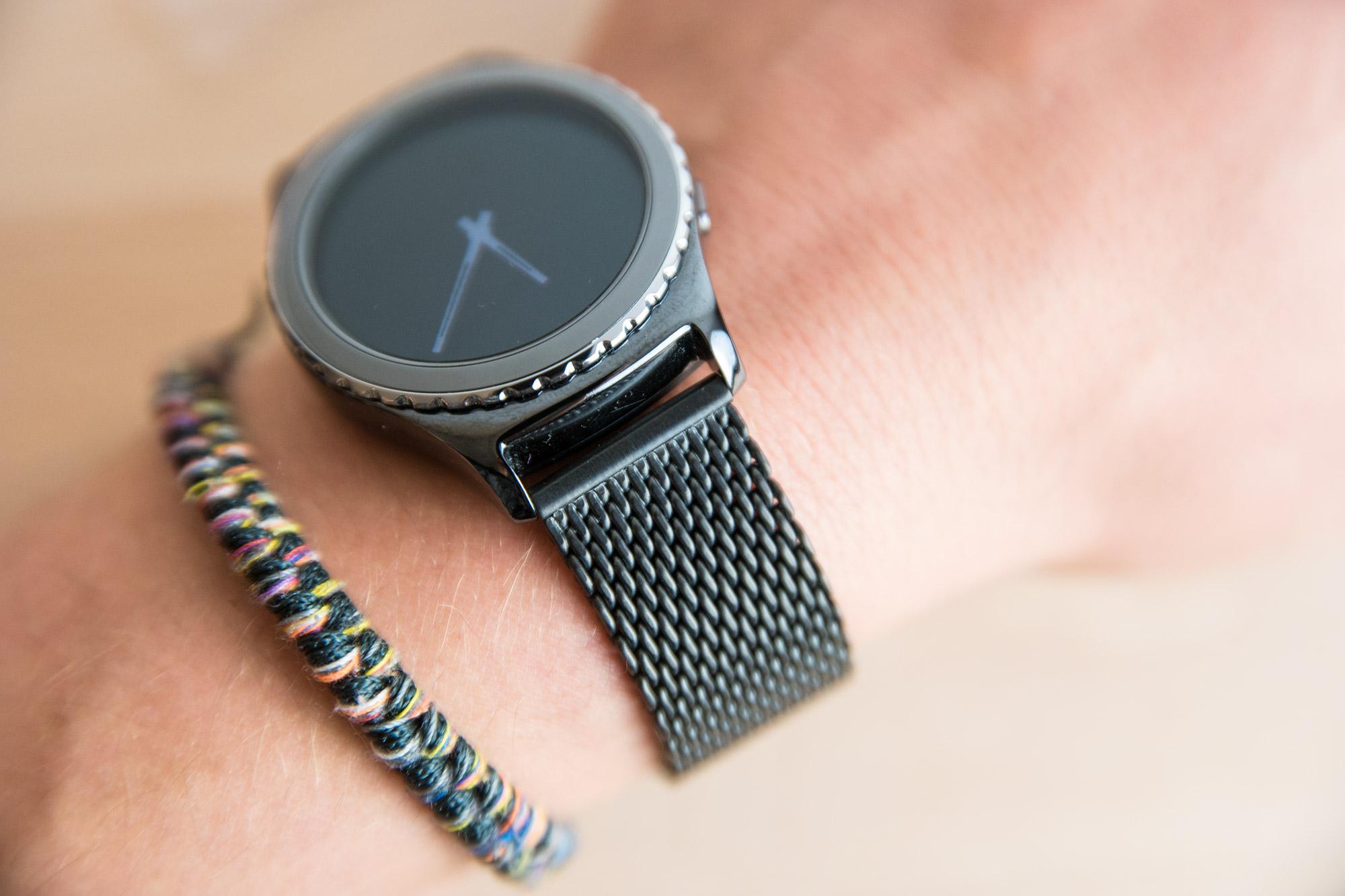 Samsung Gear S2 Classic: Armband wechseln & WatchGecko ...