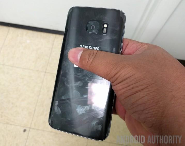 GalaxyS7_MicroSDSlot_Leak_AndroidAuth2