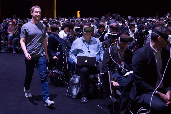Samsung_Zuckerberg