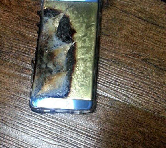 Note7explodes_2